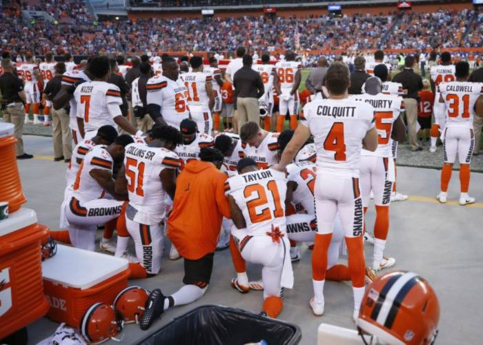 Seth DeValve Becomes First White Player to Join Kaepernick's Protest